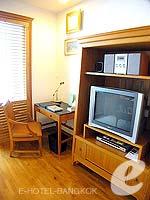 バンコク BTSプルンチット駅のホテル : センター ポイント プルンチット ホテル(Grande Centre Point Hotel Ploenchit)の1ベッドルーム(トリプル)ルームの設備 TV
