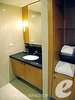 バンコク スクンビットのホテル : センター ポイント トンロー(Centre Point Thong Lo)の1ベッドルーム グランド スイートルームの設備 Bath Room