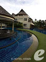Swimming Pool 1 / Cha Da Beach Resort & Spa, อยู่หน้าหาด