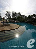 Swimming Pool 2 / Cha Da Beach Resort & Spa, อยู่หน้าหาด