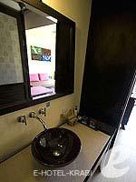 クラビ 10,000~20,000円のホテル : ランタ チャ ダ ビーチ リゾート(Cha Da Beach Resort & Spa)のシルバー スイートルームの設備 Bath Room