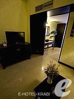クラビ 10,000~20,000円のホテル : ランタ チャ ダ ビーチ リゾート(Cha Da Beach Resort & Spa)のプラチウム スイートルームの設備 Living Room