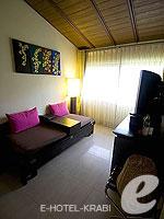 クラビ 10,000~20,000円のホテル : ランタ チャ ダ ビーチ リゾート(Cha Da Beach Resort & Spa)のエメラルド スイートルームの設備 Living Area
