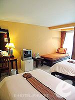 プーケット カタビーチのホテル : チャナライ フローラ リゾート(Chanalai Flora Resort)のデラックスルームの設備 Room View