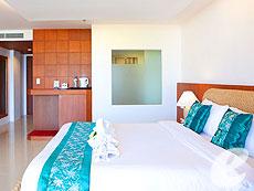 プーケット 5,000円以下のホテル : チャナライ フローラ リゾート(1)のお部屋「グランド デラックス」