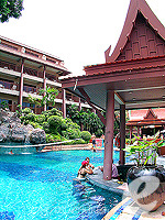 Poolside Bar : Chanalai Garden Resort, Ocean View Room, Phuket