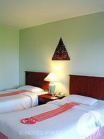 プーケット カタビーチのホテル : チャナライ ガーデン リゾート(Chanalai Garden Resort)のスーペリア ガーデンビュールームの設備 Bedroom