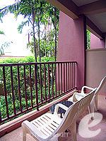 プーケット カタビーチのホテル : チャナライ ガーデン リゾート(Chanalai Garden Resort)のスーペリア ガーデンビュールームの設備 Balcony