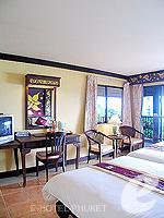 プーケット カタビーチのホテル : チャナライ ガーデン リゾート(Chanalai Garden Resort)のデラックス シービュールームの設備 Room View