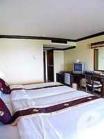 プーケット カタビーチのホテル : チャナライ ガーデン リゾート(Chanalai Garden Resort)のデラックス シービュールームの設備 Bedroom