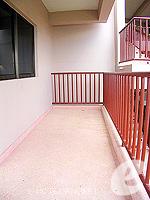 プーケット カタビーチのホテル : チャナライ ガーデン リゾート(Chanalai Garden Resort)のデラックス シービュールームの設備 Balcony