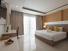 プーケット カロンビーチのホテル : チャナライ ヒルサイド リゾート(1)のお部屋「デラックス プールビュー」