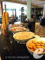 Breakfast : Chaophya Park Hotel, Fitness Room, Phuket