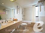 バンコク シーロム・サトーン周辺のホテル : チャトリウム レジデンス バンコク サトーン(Chatrium Residence Sathon Bangkok)のグランド デラックス 3ベッドルームルームの設備 Bath Room