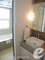 Bath Room : One Bedroom Deluxe (Double) at Citadines Bangkok Sukhumvit 16, Sukhumvit, Bangkok