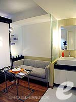 バンコク スクンビットのホテル : シタディーヌ バンコク スクンビット8(Citadines Bangkok Sukhumvit 8)のスタジオ エグジクティブ(ダブル)ルームの設備 Living Area