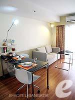 バンコク スクンビットのホテル : シタディーヌ バンコク スクンビット8(Citadines Bangkok Sukhumvit 8)の1ベットルーム デラックスルームの設備 Living Area