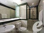 バンコク スクンビットのホテル : CNC レジデンス(CNC Residence)の2 ベッド スイート ウィズ ブレックファーストルームの設備 Bath Room