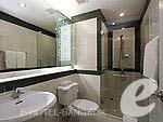 バンコク スクンビットのホテル : CNC レジデンス(CNC Residence)の3ベッドルーム スイート(ルーム オンリー)ルームの設備 Bath Room