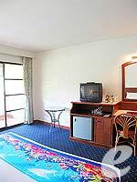 プーケット パトンビーチのホテル : ココナッツ ビレッジ リゾート(Coconut Village Resort)のクラシック スタンダードルームの設備 Bedroom