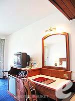 プーケット 5,000円以下のホテル : ココナッツ ビレッジ リゾート(Coconut Village Resort)のクラシック スタンダードルームの設備 Writing Desk