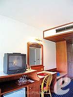 プーケット 5,000円以下のホテル : ココナッツ ビレッジ リゾート(Coconut Village Resort)のクラシック スタンダードルームの設備 TV