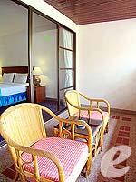 プーケット パトンビーチのホテル : ココナッツ ビレッジ リゾート(Coconut Village Resort)のクラシック スタンダードルームの設備 Balcony