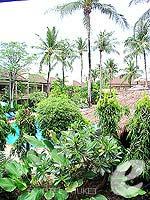 プーケット パトンビーチのホテル : ココナッツ ビレッジ リゾート(Coconut Village Resort)のクラシック スタンダードルームの設備 Garden View