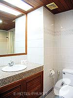 プーケット 5,000円以下のホテル : ココナッツ ビレッジ リゾート(Coconut Village Resort)のクラシック スタンダードルームの設備 Bathroom