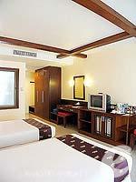プーケット パトンビーチのホテル : ココナッツ ビレッジ リゾート(Coconut Village Resort)のデラックスルームの設備 Bedroom
