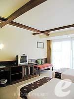 プーケット 5,000円以下のホテル : ココナッツ ビレッジ リゾート(Coconut Village Resort)のデラックスルームの設備 LCD TV