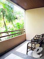 プーケット パトンビーチのホテル : ココナッツ ビレッジ リゾート(Coconut Village Resort)のデラックスルームの設備 Bar Counter
