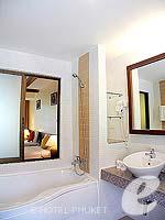 プーケット 5,000円以下のホテル : ココナッツ ビレッジ リゾート(Coconut Village Resort)のデラックスルームの設備 Room View