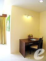 プーケット パトンビーチのホテル : ココナッツ ビレッジ リゾート(Coconut Village Resort)のジャグジールームの設備 Room View