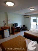 バンコク スワンナプーム空港周辺のホテル : コンビニエント リゾート バンコク(Convenient Resort Bangkok)のスーペリアルームの設備 Bedroom