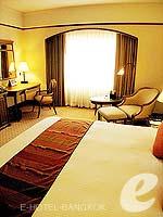 バンコク ファミリー&グループのホテル : クラウン プラザ バンコク ルンピニ パーク(Crowne Plaza Bangkok Lumpini Park)のスーペリアルームの設備 Bedroom
