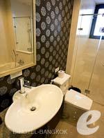 バンコク シーロム・サトーン周辺のホテル : ディー ヴァリー ディバ バリー シーロム(D Varee Diva Bally Silom)のプレミアルームの設備 Bathroom