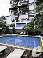 Swimming Pool / Dee Andaman Hotel Pool Bar, เมืองกระบี่