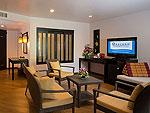 プーケット パトンビーチのホテル : ディーヴァナ パトン リゾート & スパ(Deevana Patong Resort & Spa)のジュニア スイートルームの設備 Living Area