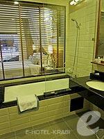 クラビ 10,000~20,000円のホテル : ディーヴァナ プラザ クラビ(Deevana Plaza Krabi)のプレミア プールアクセスルームの設備 Bath Room