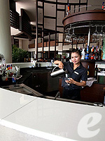 Lobby Bar : Deevana Plaza Phuket, Connecting Rooms, Phuket