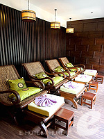 Foot Massage : Deevana Plaza Phuket, Patong Beach, Phuket