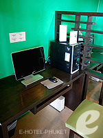 Internet Corner : Deevana Plaza Phuket, Connecting Rooms, Phuket