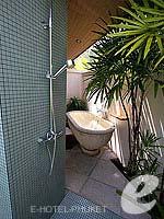 プーケット その他・離島のホテル : デワ プーケット(Dewa Phuket)のプール ヴィラルームの設備 Outdoor Bath Area