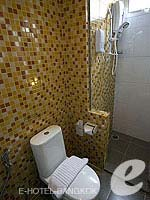 バンコク スクンビットのホテル : DS67 スイーツ バンコク(DS67 Suites Bangkok)のグランド デラックス(4名)ルームの設備 Bath Room