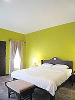 プーケット 5,000円以下のホテル : ドゥアンジット リゾート&スパ(Duangjitt Resort & Spa)のデラックスバンガロー(ツイン/ダブル)ルームの設備 Bedroom