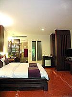 プーケット 5,000円以下のホテル : ドゥアンジット リゾート&スパ(Duangjitt Resort & Spa)のヴィラ(シングル)ルームの設備 Living Area
