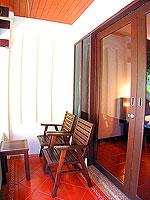 プーケット 5,000円以下のホテル : ドゥアンジット リゾート&スパ(Duangjitt Resort & Spa)のヴィラ(シングル)ルームの設備 Balcony