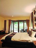 プーケット 5,000円以下のホテル : ドゥアンジット リゾート&スパ(Duangjitt Resort & Spa)のヴィラ (ツイン/ダブル)ルームの設備 Bedroom