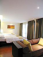 プーケット 5,000円以下のホテル : ドゥアンジット リゾート&スパ(Duangjitt Resort & Spa)のスイートルームの設備 Bedroom